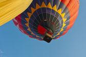 Heissluftballon treffen in das tal der tempel in paestum — Stockfoto