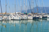 Yachts and motor boats in the harbor — Stockfoto