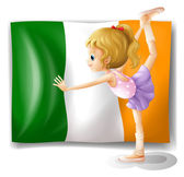 The flag of Italy at the back of a girl — Stock Vector