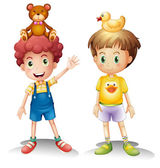 Two boys with their toys above their heads — Stock Vector