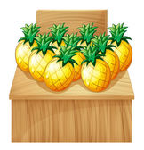 A pineapple fruitstand with an empty board — Stock Vector