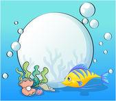 A fish and seashells under the sea — Stock Vector