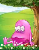 Unavený růžové monstrum vedle stromu — Stock vektor