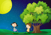 A girl and a boy playing under the bright fullmoon — Stock Vector