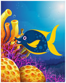 A big smiling fish near the coral reefs — Stock Vector
