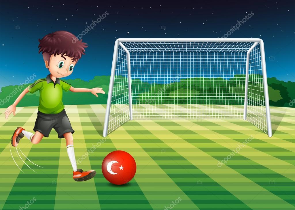 Пинать мяч играть