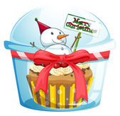 A disposable cup with a cupcake and a snowman inside — Stock Vector