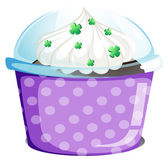 A disposable container with a cake — Stock Vector