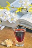 Communion bread and wine — Stock Photo