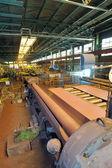 スチール パイプを作るための産業用機械 — ストック写真