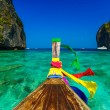 Traditional longtail boat in Maya bay on Koh Phi Phi Leh Island, — Stock Photo #44411665
