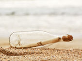 Mensaje en una botella. — Foto de Stock