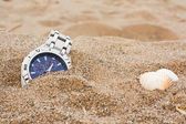 Lost wrist watch at the beach — Stock fotografie