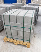 Pallet of breeze blocks — Stock Photo