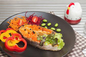 Salmon grill with pepper, and vegetable salad — Stock Photo