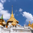 Foto Stock: Thai Architecture : Wat Trimit Bangkok, Thailand