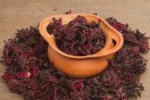 Dried roselle (Hibiscus sabdariffa) , Hibiscus roselle tea — Photo