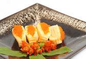 Sushi, japanische lebensmittel display auf teller — Stockfoto