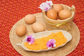 Golden threads thai dessert ,thai sweets made form egg yoke cook — Stock Photo