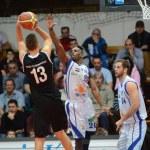 Kaposvar - Pecs basketball game — Stock Photo #19145383