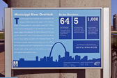 St. Louis Skyline & Mississippi River Lookout Sign — Foto Stock