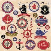 Collezione di vintage retrò nautiche etichette, scudetti e icone — Vettoriale Stock