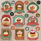 Colección retro vintage varias etiquetas cupcakes, divisas e iconos — Vector de stock