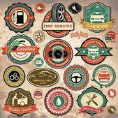 Collection d'étiquettes de voiture vintage grunge rétro, les écussons et les icônes — Vecteur