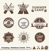Vector Set: Camping and Outdoor Labels and Stickers — Vecteur