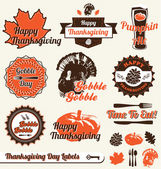 Vector Set: Retro Happy Thanksgiving Day Labels — Stock Vector