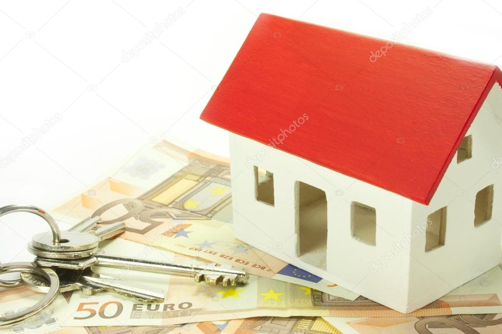House of euro banknotes with keys — Stock Photo #13800589