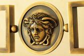 メデューサの装飾的な金属彫刻 — ストック写真