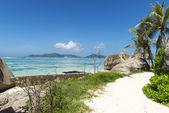 красивый тропический пляж — Стоковое фото