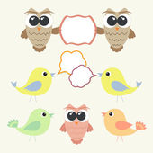 Set of owls and birds with speech bubbles — Stock Vector