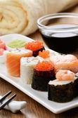 Mixed sushi set — Stock Photo