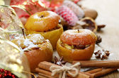 Christmas background of Homemade baked stuffed apples and spices — Stock Photo