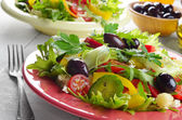 Healthy vegetable fresh organic salad — Stock Photo