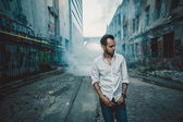 Urban young man posing outdoors — Stock Photo