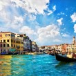 Venice Grand canal with gondolas and Rialto Bridge, Italy — Stock Photo #22408697