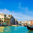 Venice Grand canal with gondolas and Rialto Bridge, Italy — Stockfoto #22460205