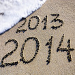 Happy New Year 2014 replace 2013 concept on the sea beach — Foto de Stock