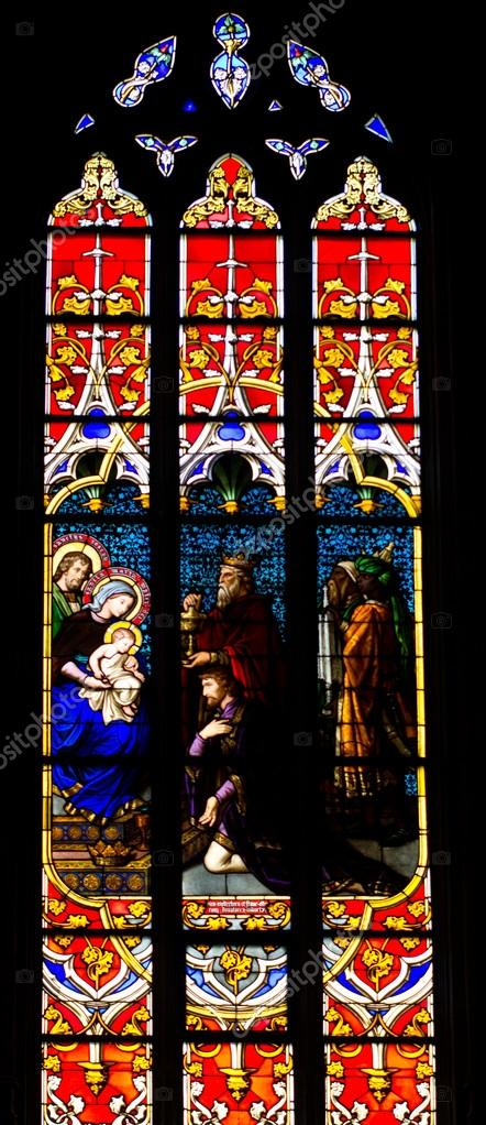 Stained glass window in the Notre Dame de Luxembourg — Stock Photo #17356719