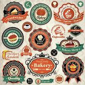 Collection of vintage retro grunge bakery food labels, badges and icons — Stock Vector