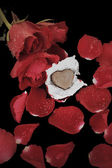 Chocolate heart and red rose — ストック写真