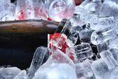Red wine on ice — Stock Photo