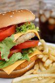 Smakelijke hamburger — Stockfoto