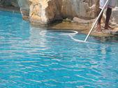 Schwimmbad reinigung — Stockfoto