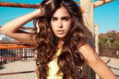 Brunette Beauty , long wavy hair — Stock Photo