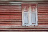 Janela de madeira velha — Fotografia Stock
