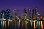 Bangkok stad in nacht schot — Stockfoto